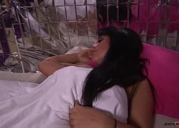 Hannah Shaw Sleep Wank